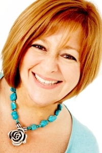 Stunning photo of former Loose Woman Rachel Agnew in turquoise.